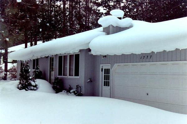 Snow Accumulated on low-pitch roof